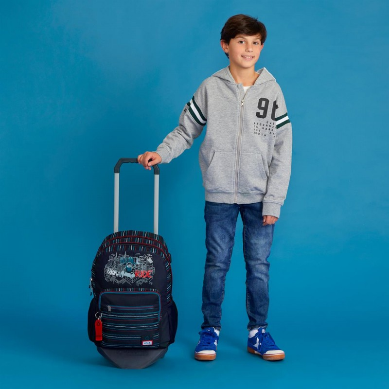 SCHOOL BACKPACK WITH WHEELS IN WALL RIDE